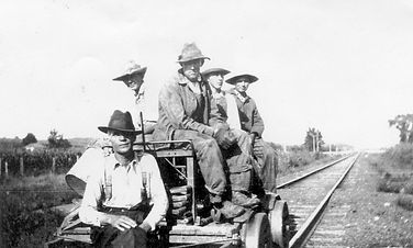RR crew 1904.jpg