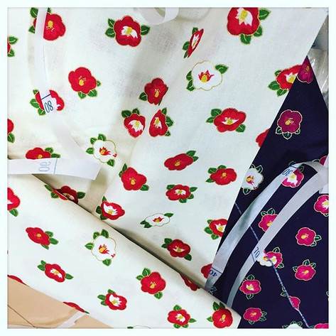 New fabric #fabric #tsubaki #japanese fabric #jinbeiworkshop#kimonoworkshop #sewing #sewingproject#sewinglove #sewinglovers