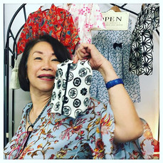 sewing workshop ^_^_$48 caramel pouch workshop _トールペイントとお裁縫が得意な生徒さん。今日は時短のキャラメルポーチ。_ #jijijaja #workshop #sewing #sewingworkshop #singapore_