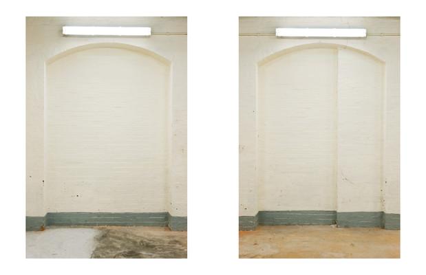 Room 4, walls