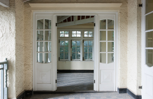 Veranda, doors 2