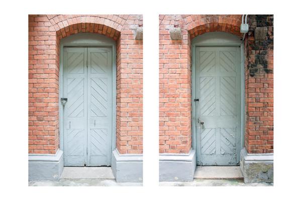 Room 12, doors, 1