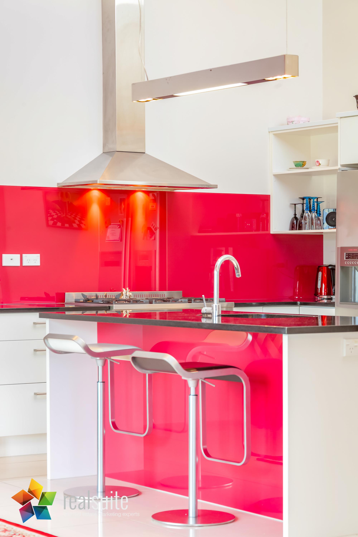 Realsuite Kitchens (31)