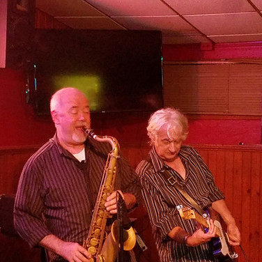 Sax w? at Petes.jpg