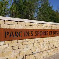 Parc des sports et de la piscine et de l'Avenue Champ Bacon