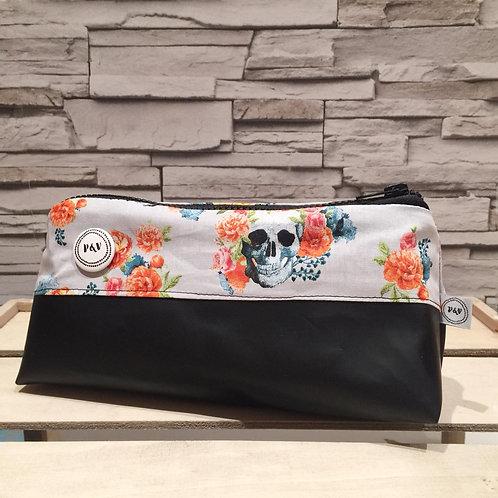 Pencil Case Roses & Skulls  / Estuche Rosas y Calaveras