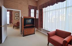 Guest Suites 04 - Copy (2).jpg