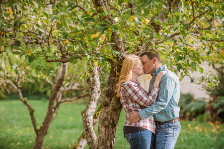 Country Engagement Photo Shoot | Outdoor Engagement Session | Cowgirl Cowboy | Tractor | Seattles Best Wedding Photographer | Couples Posing | Hood River Photographer | Oregon Bride | Country Wedding | Fall Photo Shoots | Fall Wedding