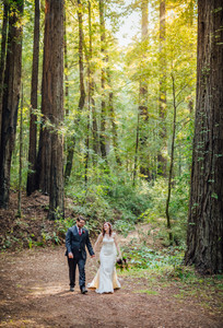 Mendocino County California Wedding | Redwood Wooded Wedding | Pronovia Bridal | Lace Wedding Dress | Destination Wedding Photographers | Seattle Wedding Photographers | Benbow Inn | Couples Posing | Wedding Poses