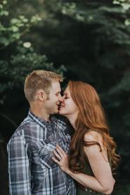 Engagement Photos | Washington Hikers | Mountaintop Views Washington | Redhead Bride | PNW Photographer | PNW Adventure | Bellevue Photographer | Engagement Session  | Seattle Wedding Photographer | Redwoods | Bellevue Wedding Photographer | Seattle Wedding Venues
