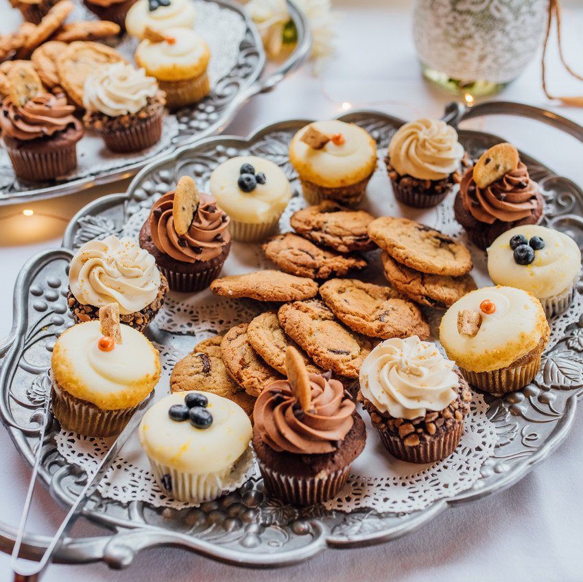 Cookies and Cupcakes | Ramones Bakery | Arcata Plaza, Arcata California | Blueberry Muffin | Destination Wedding Photographer | Trinidad Wedding | PNW Bride | Wedding Goals | Dessert Bar | Cake Alternatives | Budget Bride | Seattle Weddings | Bellevue Bride | Ferndale Washington | Snohomish Wedding Photographer