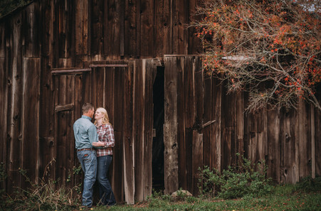 Country Engagement Photo Shoot | Outdoor Engagement Session | Cowgirl Cowboy | Tractor | Seattles Best Wedding Photographer | Couples Posing | Hood River Photographer | Oregon Bride | Country Wedding | Barn Wedding |Fall Photo Shoots