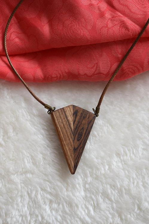 Manifestation Wooden Necklace I Collier en bois