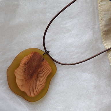 The Clarity Wooden Necklace I Bijou en bois