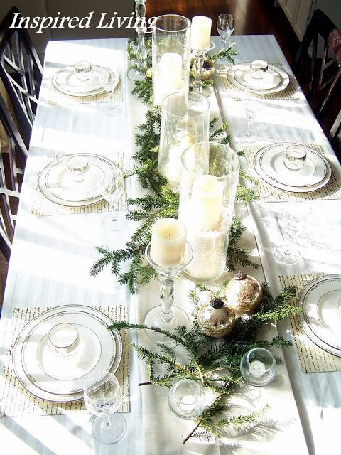 clean-white-christmas-table-layouts.jpg