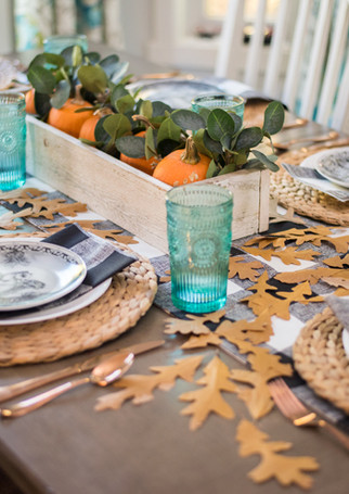 Traditional Thanksgiving Table Decor