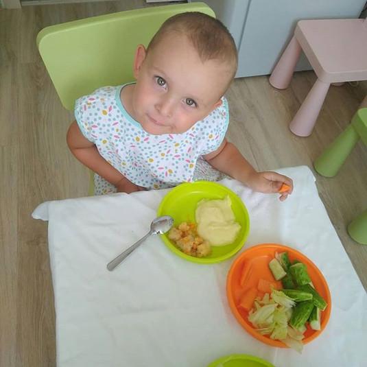 Что кушают наши малыши в садике_ Давайте