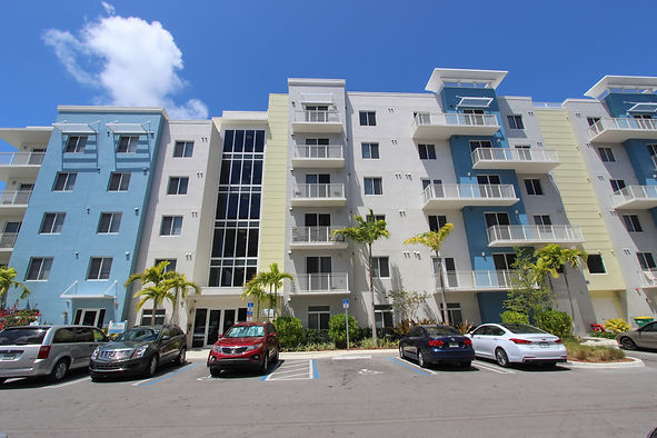 Waterford at Aventura apartments