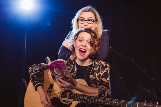 Anne Bax liest, Anika Auweiler singt