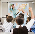 Учитель на уроке.jpeg