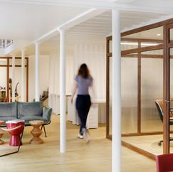 Caroline Lory - Bureaux Close to Clothes - Paris