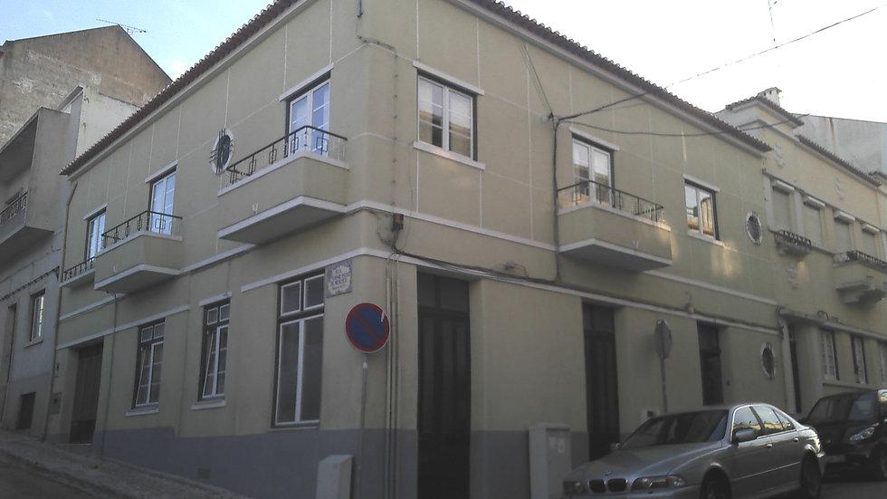 Prédio com 3 apartamentos | Venda | Centro cidade, Santarém