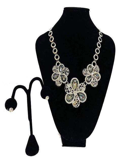 Necklace Set W/ Earrings Silver Large Flowers No#36