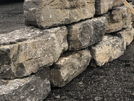 How To Choose The Right Armour Stone For a Retaining Wall