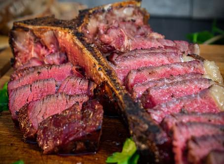 Rückwärts gegrilltes Steak mit Fenchel und Koriander
