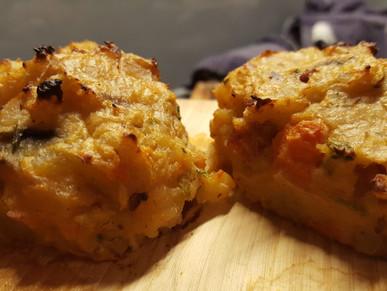 Geplankter Kartoffelstampf mit Röstzwiebeln und Bacon