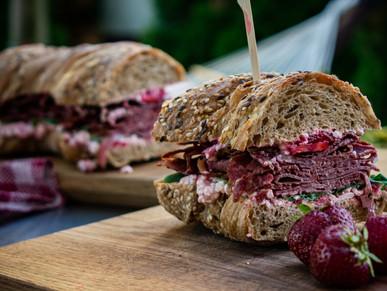 Pastrami-Erdbeer Sandwich