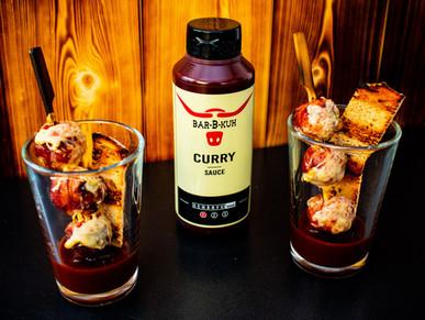 Geräucherte Bacon-Currywurst Spieße