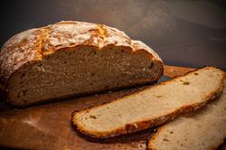 Weizen-Dinkel Brot aus dem DutchOven