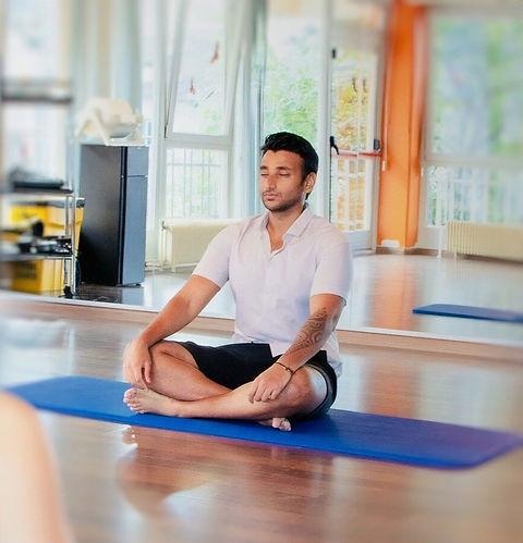 meditation-3680626_1920_edited.jpg