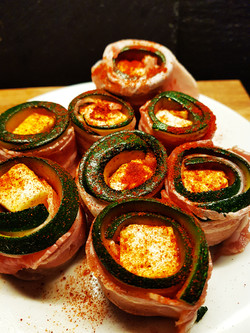 Zucchini-Feta-Bacon Rollen