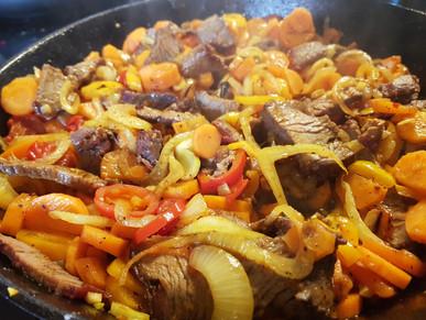 Karotten-Fenchel-Kurkuma Gemüse aus der Gusspfanne