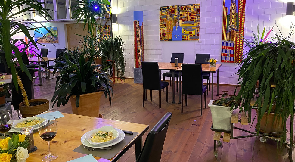 Toggenburg Die Fabrik Abendessen.jpg