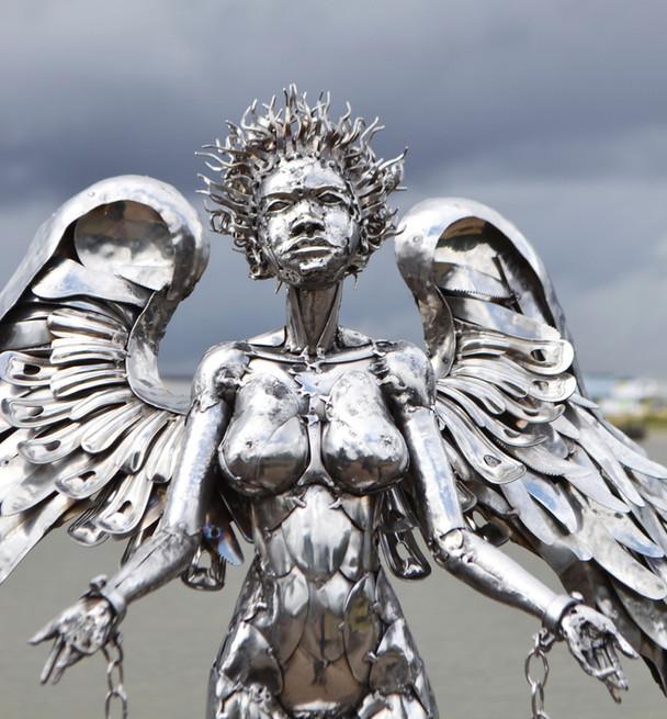 Angel sculpture by Marcin Gornia 2
