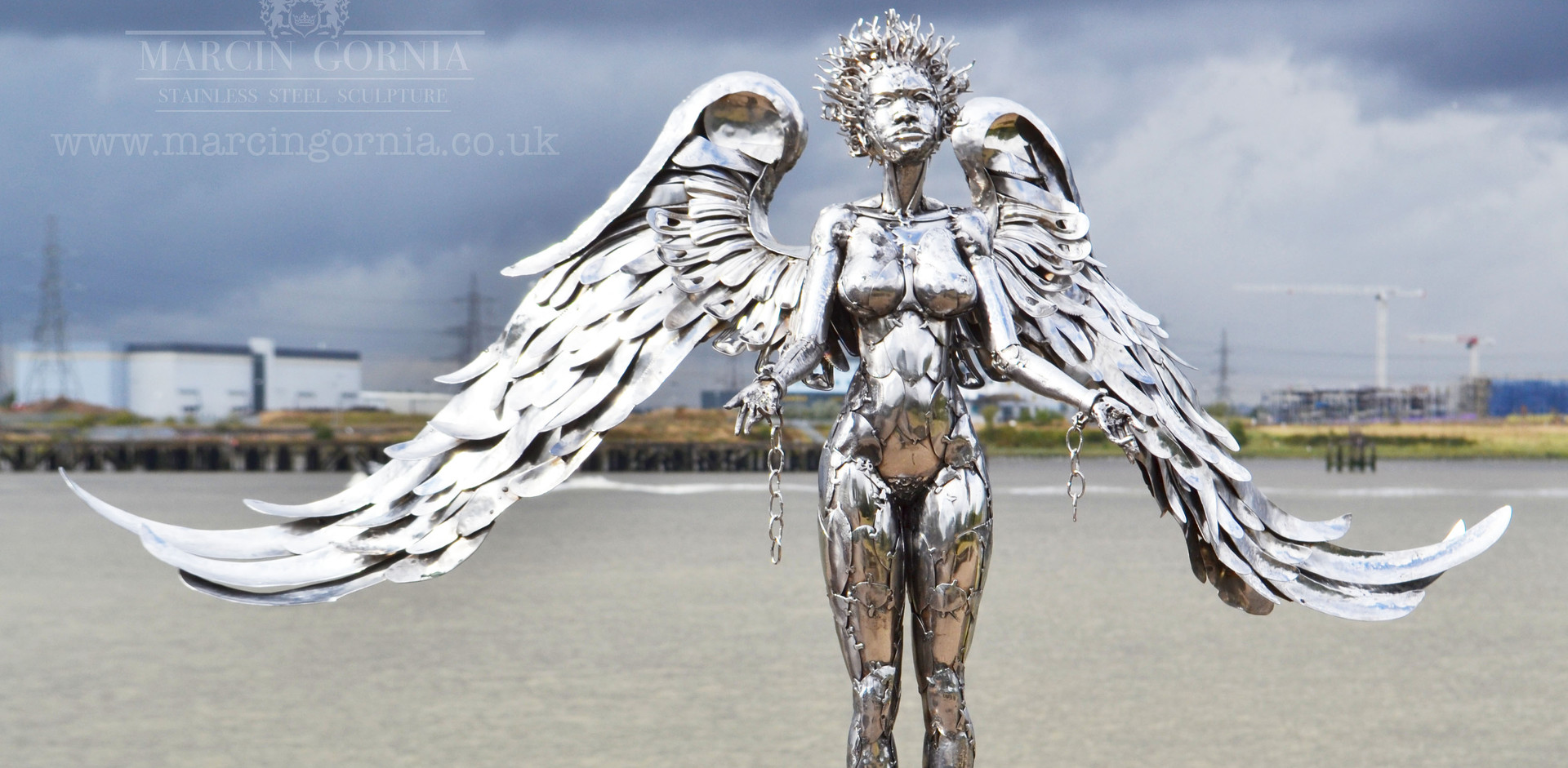 Angel sculpture by Marcin Gornia 3
