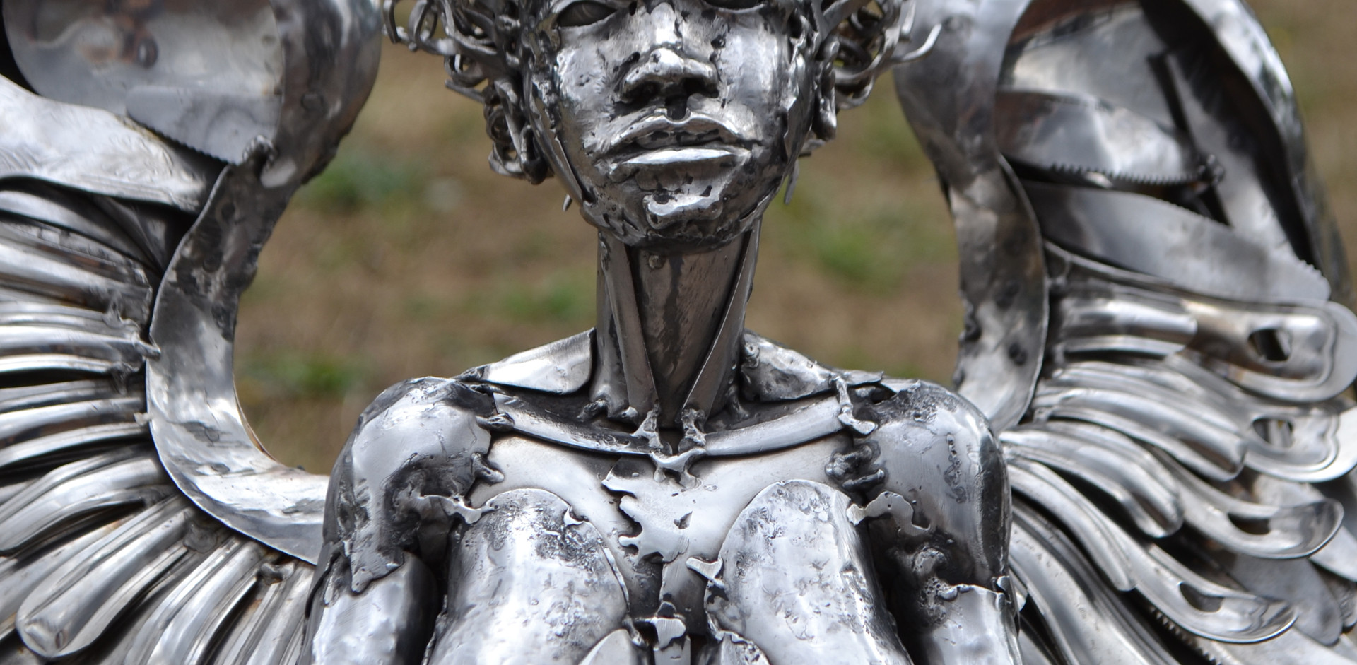 Angel sculpture by Marcin Gornia 5