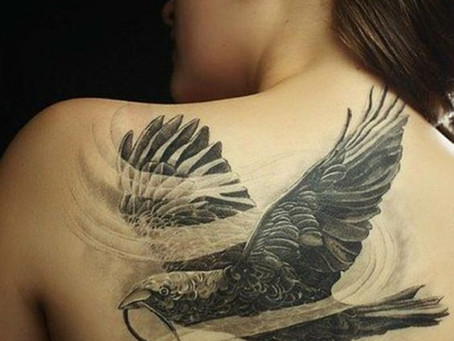 Une femme médecine, tel un aigle noir...