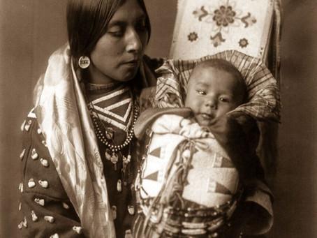 La naissance accompagnée par la sagesse Amérindienne et sa pharmacopée naturelle .