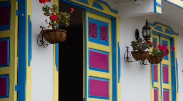 Bunte Türen Salento.jpg