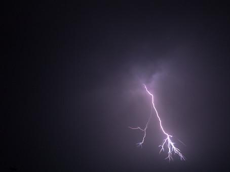 一月十三日,驚天巨雷