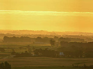 sunrise-plains-of-iowa-bonfire-photography.jpg