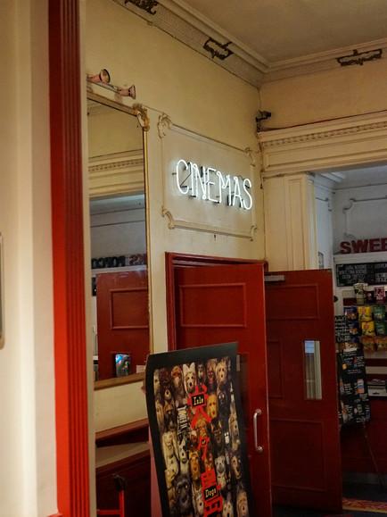 Europe Cafe Tour: #1 The Cameo Cafe - Edinburgh