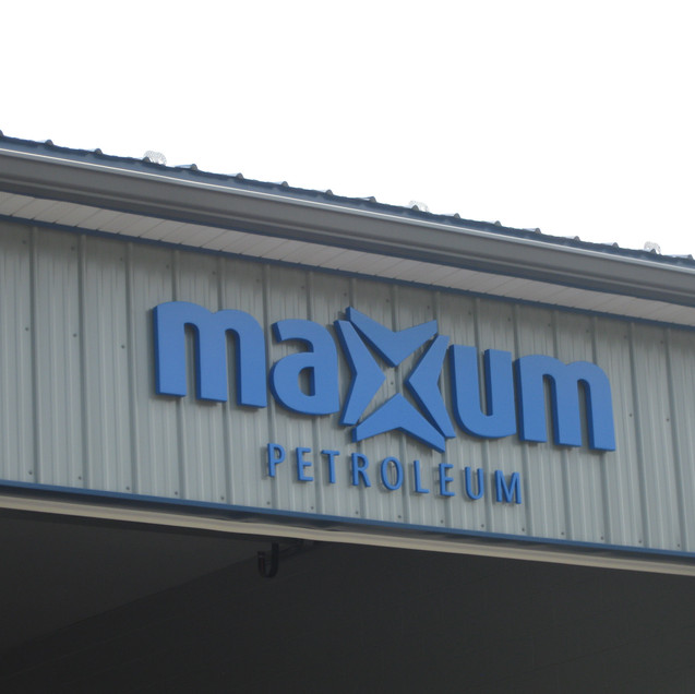 Maxum 1.JPG