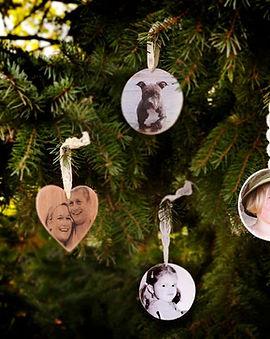 maak een mooie foto op hout als kerst bal of leuk als muur decoratie