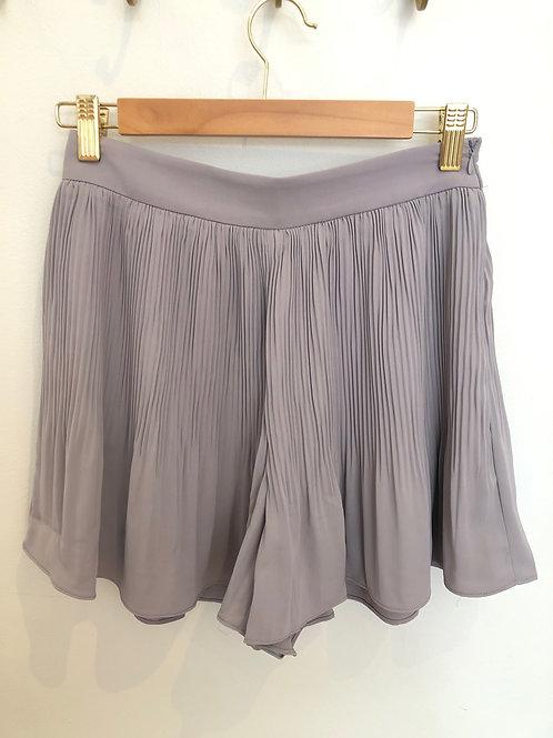 milla. Pleated Shorts (Grey)