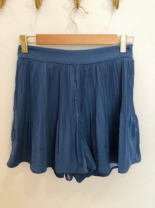 milla. Pleated Shorts (Moonlight Blue)